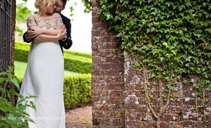 Kelly Clarkson Confirms Marriage, Posts Gorgeous Wedding Photos