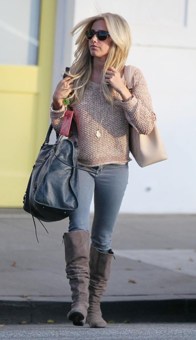 Ashley Tisdale Fashion Photo