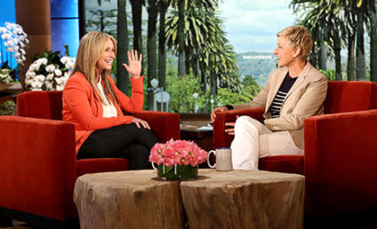 Jennifer Love Hewitt Appears on Ellen, Actually Wears Clothing