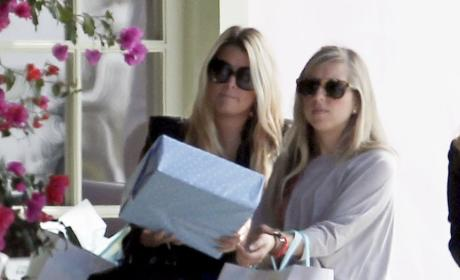 Jessica Simpson Celebrating Pregnancy With Family?