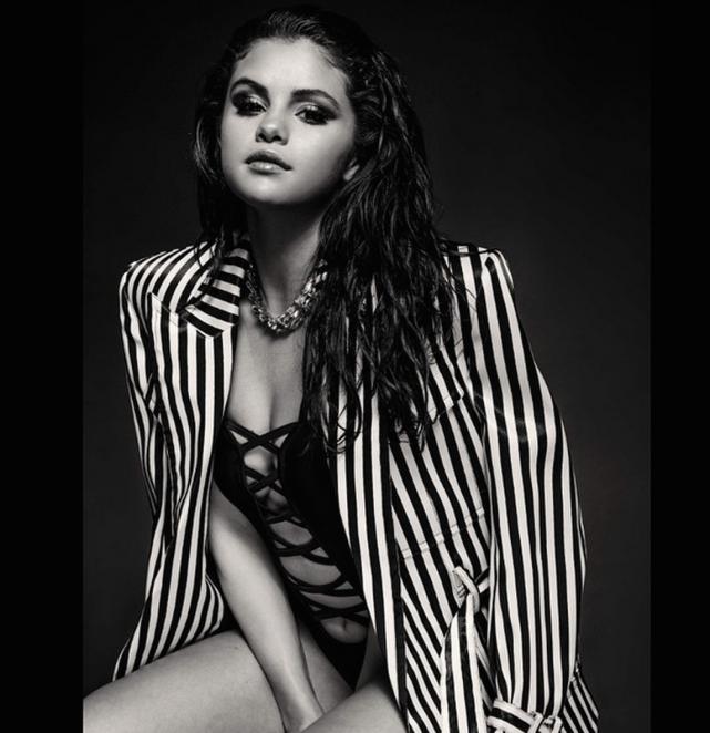 Stunning Selena