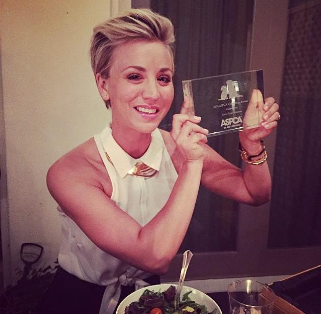 Kaley cuoco shows off new spiky hairstyle on instagram love it or