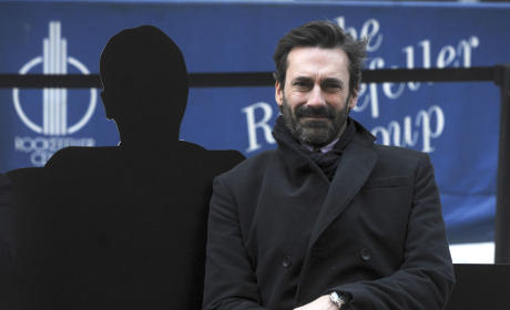 "Jon Hamm Drinking Details Revealed: Actor Got ""Flirty"" With Strange Women During Benders, Source Claims"