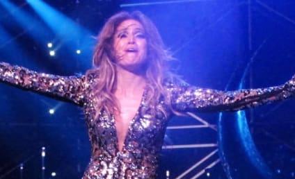 Jennifer Lopez Wardrobe Malfunction Alert!