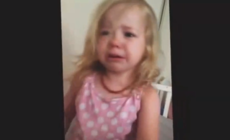 "Dad Plays ""I Got Your Nose"" With Daughter, Little Girl Begs For Its Return"
