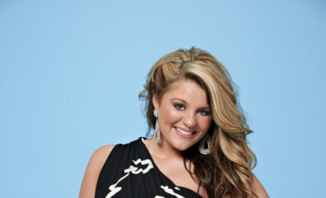Which female Idol contestant will advance the farthest: Lauren Alaina or Naima Adedapo?
