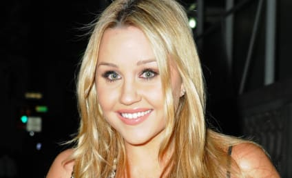 "Amanda Bynes Calls Jay-Z ""Ugly Face"" on Twitter, Promptly Deletes Photo"