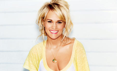 Carrie Underwood Glamour Pic