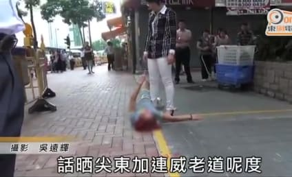 Chinese Woman Gets Dumped on the Street, Has EPIC Breakdown