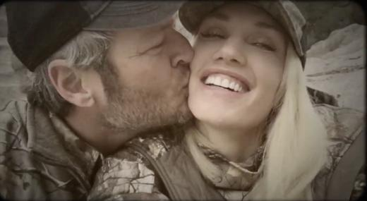 Blake Shelton Kisses Gwen Stefani