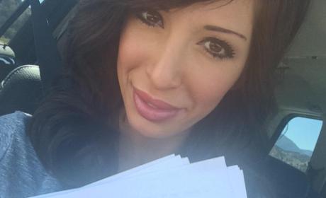 Farrah Abraham Films Christian Horror Movie, Tweets #Actor Selfie on Set