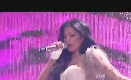 "Nicole Scherzinger Likes It ""Right There"" on American Idol"