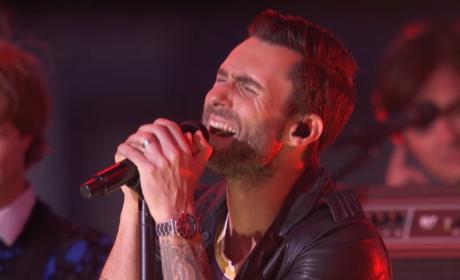 Adam Levine Performs at MTV VMAs, Decries Lack of Pants at Event