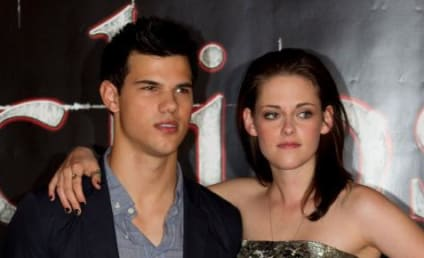 Kristen Stewart and Taylor Lautner Stop in Stockholm