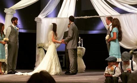 Jill Duggar, Derick Dillard Wedding Picture