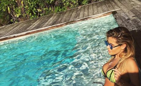 Brielle Zolciak Hangs Out By The Pool