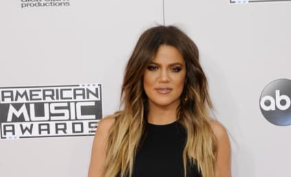 """Khloe Kardashian Signs Autographs """"Mrs. Odom:"""" Is She Planning to Get Back With Lamar!?"""