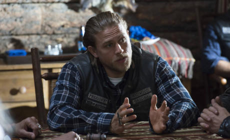 Charlie Hunnam Pulls Out of 50 Shades of Grey Movie; Christian Grey to Be Recast