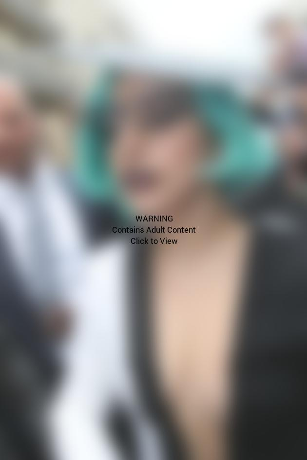 Lady Gaga Cleavage Pic