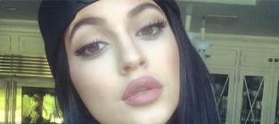 Kylie Jenner Challenge Blows Up on Twitter: All the Kids Want Kylie's Lips!