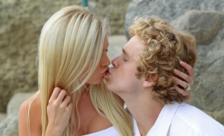 Heidi Montag Officially Tears Up Divorce Papers