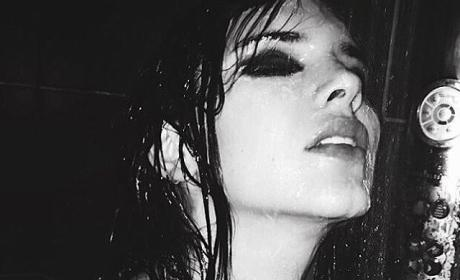 Kendall Jenner: Topless on Instagram!!!