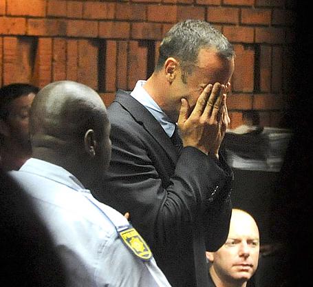 Oscar Pistorius Cries