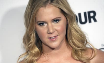 Amy Schumer Leaves HUGE Tip for Struggling College Student