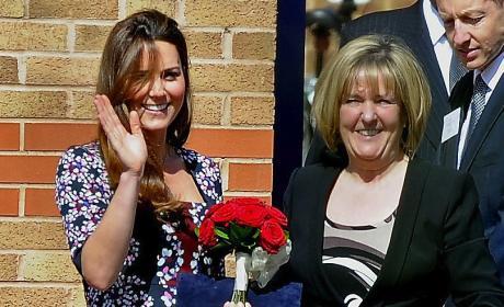 Kate Middleton, Baby Bump Wave