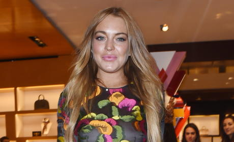 Lindsay Lohan: Kicked Out of Bar For Spitting on People, Shouting Racist Slurs
