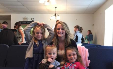 Leah Messer Posts Family Pics, Continues to Pretend All is Well