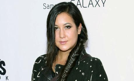Vanessa Carlton Loses Pregnancy, Cancels Tour Dates