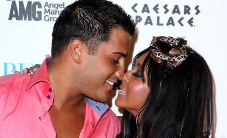 What Will Snooki Name Her Baby Boy?!