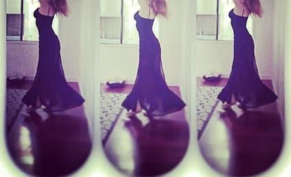 Jennette McCurdy Channels Kim Kardashian in Sexy, Glamorous Selfie