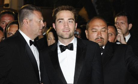 Robert Pattinson Shoots Down Catching Fire Casting Rumor
