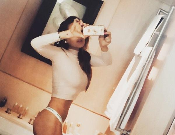 Lindsay lohan photoshop selfie