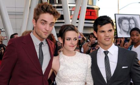 Robert Pattinson Admits: I Am Dating Kristen Stewart