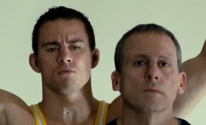 Foxcatcher Reviews: Wait... THAT'S Steve Carell?!?