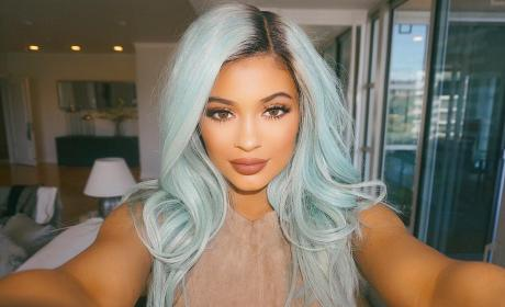Kylie Jenner: Plastic Surgery Intervention Staged By Family?