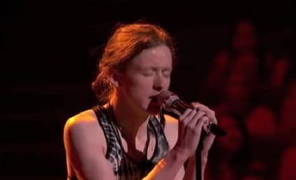 Charlie Askew Butchers American Idol Performance, Breaks Down on Stage