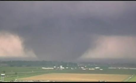 Oklahoma Tornado Kills at Least 24; Hundreds Injured, City Demolished
