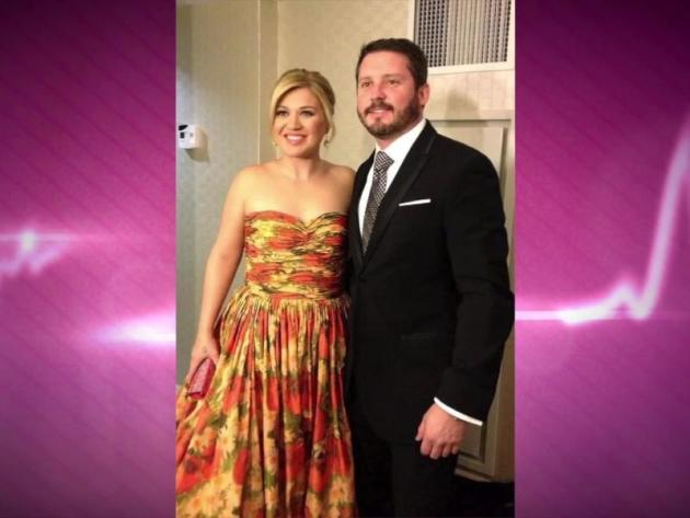kelly clarkson marries brandon blackstock the hollywood