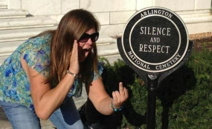 Tomb of the Unknowns Facebook Photo Lands Massachusetts Woman in Hot Water