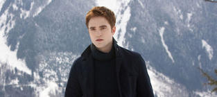 New Breaking Dawn Part 2 Pictures: Sullen in the Snow