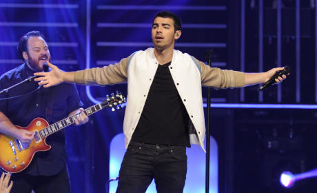 Joe Jonas on Stage