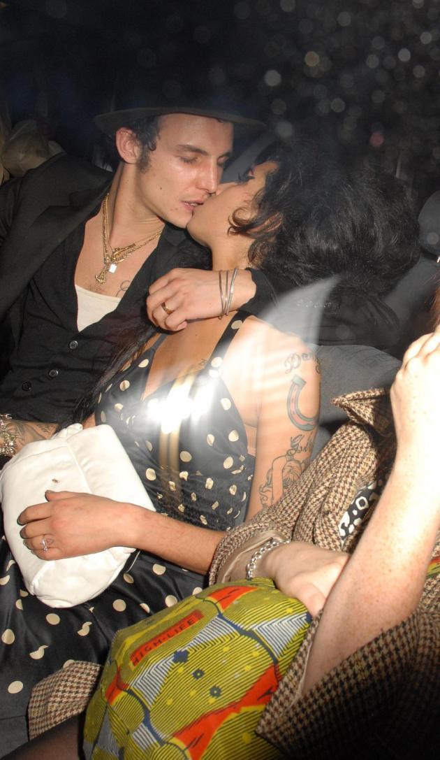 Blake Fielder-Civil, Amy Winehouse Kiss