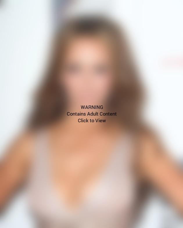 Jennifer Love Hewitt, Cleavage