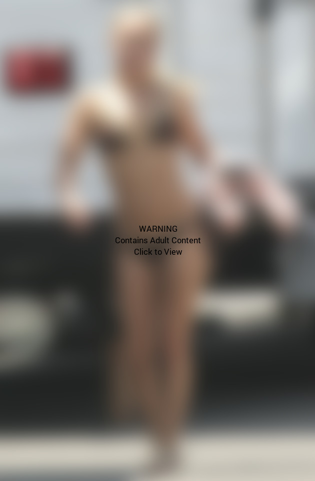 Hayden Panettiere Bikini Photo