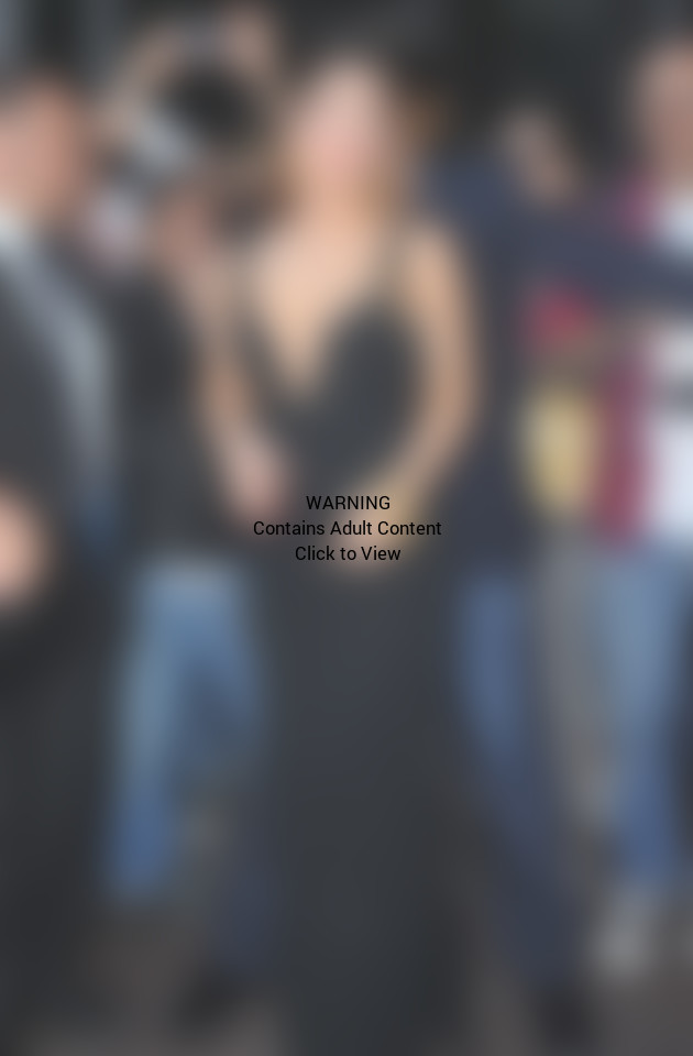 Lady Gaga Cleavage Picture
