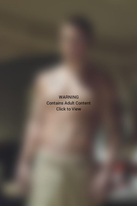 Stephen Amell Shirtless